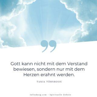 Niemand hat die einzig richtigen Antworten auf die großen Fragen im Leben. Alles was wir tun können sind Wahrheiten, die für uns stimmig sind, zu finden und nach diesen zu leben. Jeder hat das Recht auf seinen eigenen Glauben, solange sie/er damit niemanden Schaden zufügt. 🌈Wie immer nach dem Motto: Nimm was du brauchst, lass den Rest links liegen.#gebet #gebete #affirmation #affirmationen #spirituell #spiritualität #infindung #segen #bewusstsein #erwachen #motivation #Kraft #gedanken #glaube #hoffnung #glück #achtsamkeit #lichtarbeiter #gott #beten #wunder #leben #freiheit #heilung #heilsein #dankbar #weisheit